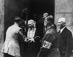 Hitler, visiting Elizabeth at the Nietzsche Archive in Weimar.